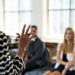 オンライン英会話で講師の質が高く、相性のいい先生の選び方